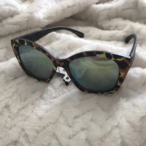 Accessories - Leopard Cheetah reflective Cat-eye Sunglasses
